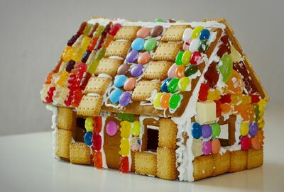 gingerbread-house-1098731_1920